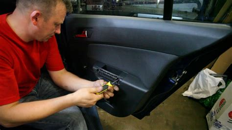 Astra Vauxhall (Opel Astra H) Disassembly door - YouTube