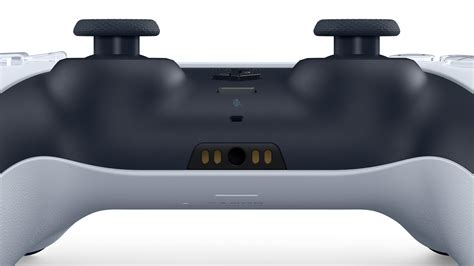 Gallery: A closer look at PS5's controller and accessories